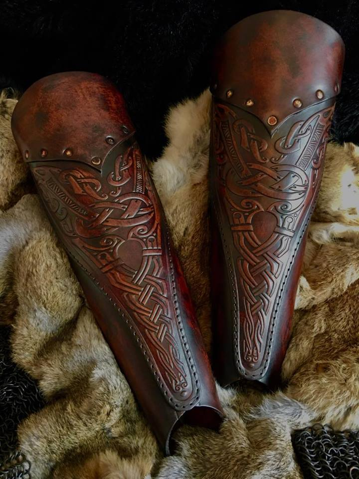 Asmund Deluxe Leather Greaves