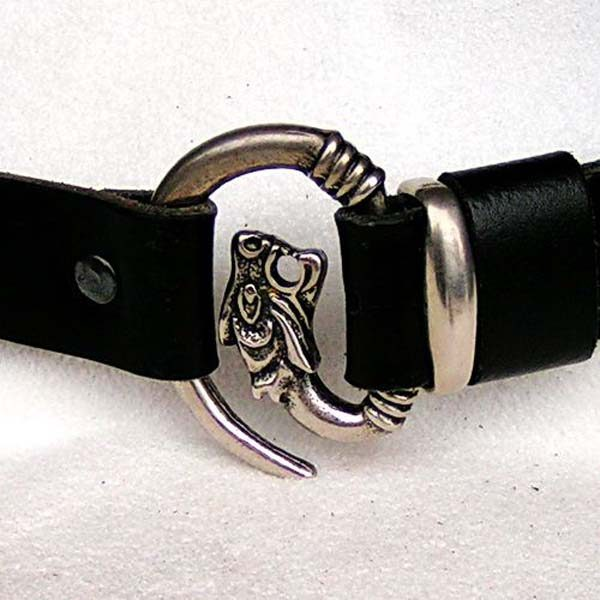 Belt with Wolf Fastening buckle