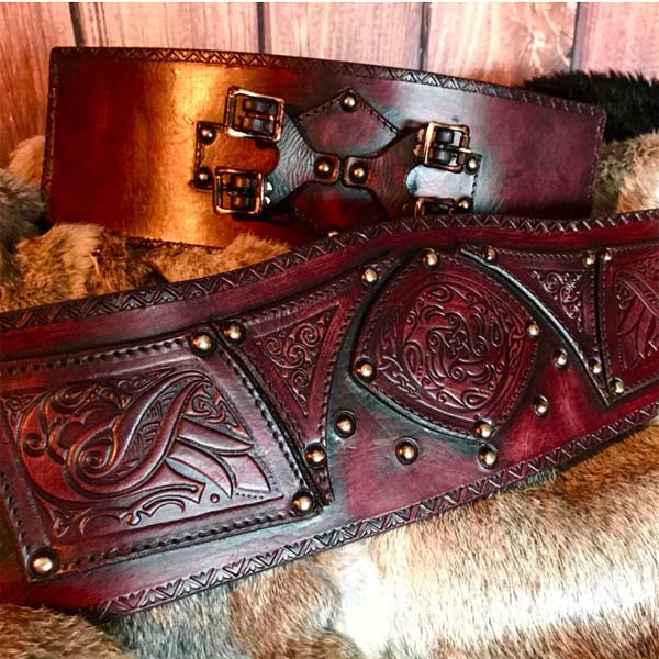 Clan Chief Belt Ox Blood detail