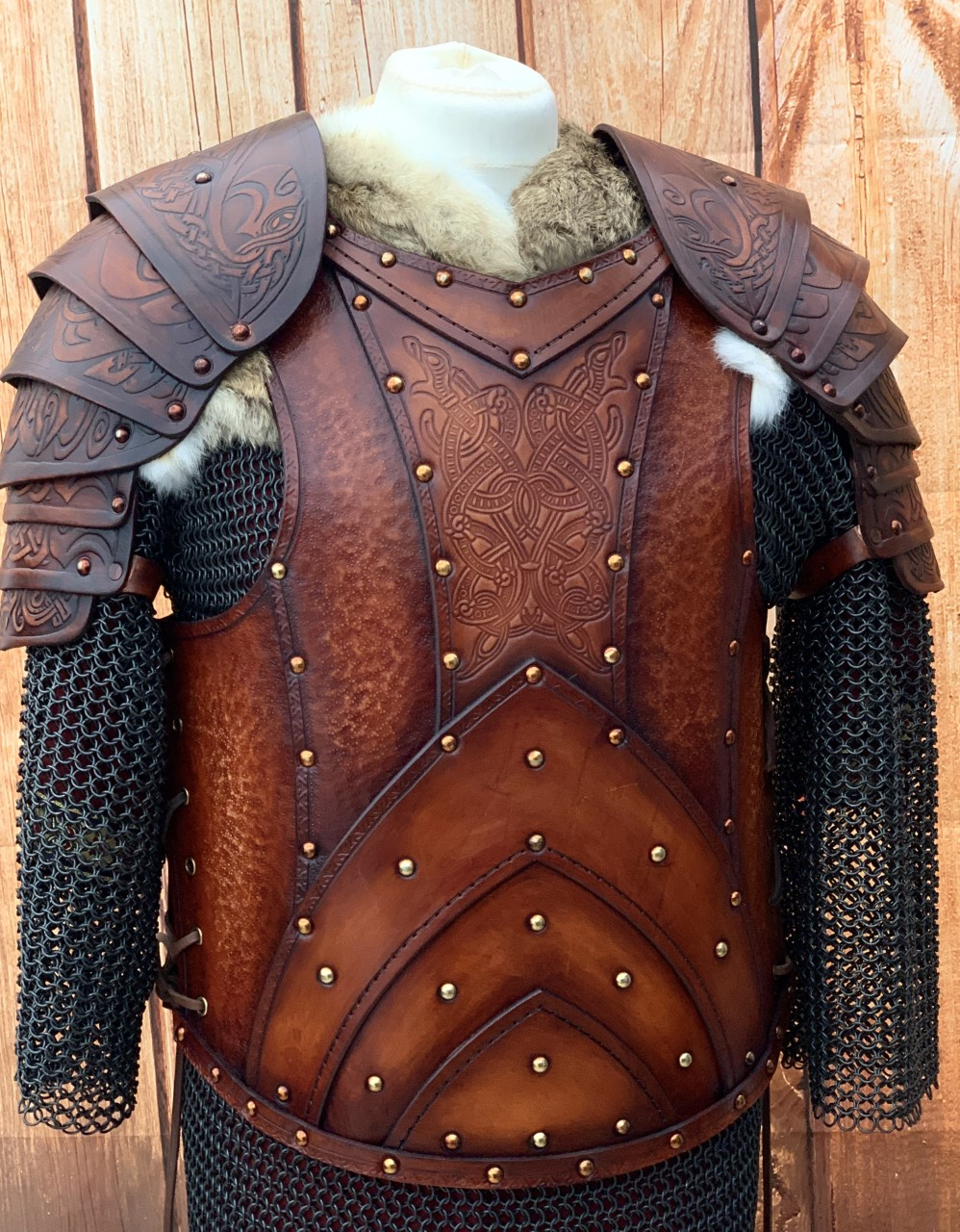 Jörmungandr with shoulders